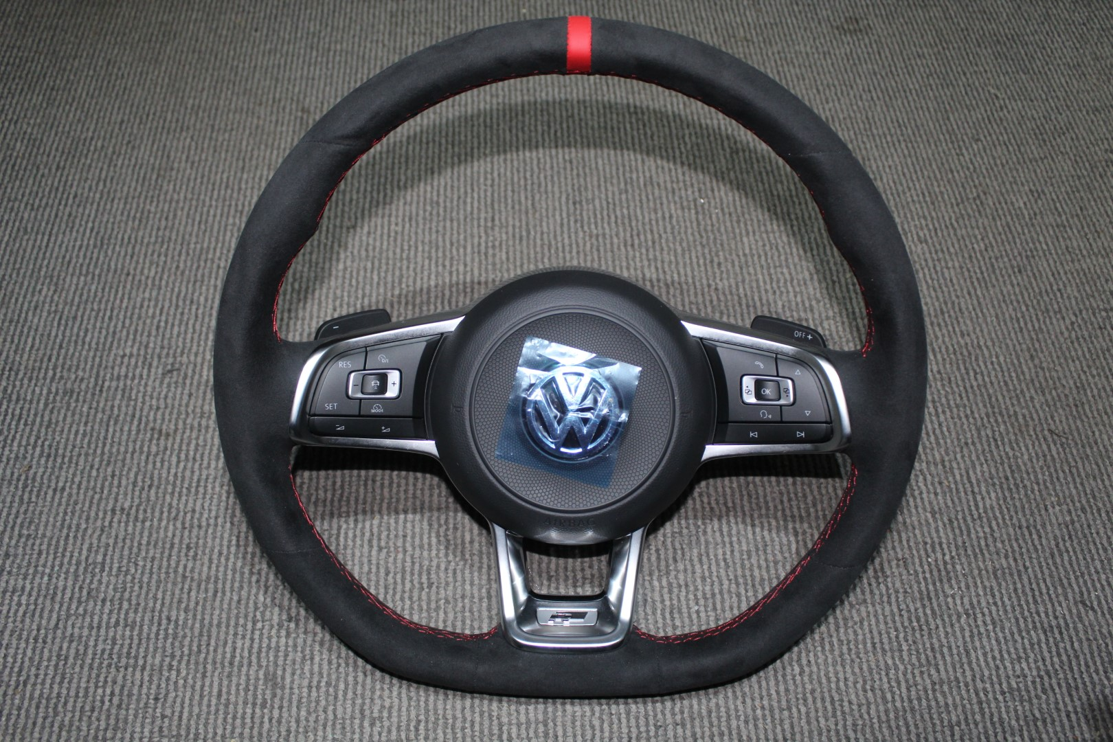 Steering Wheel (large)